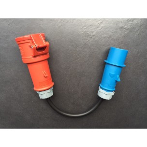 Adapter CEE 16A Blauw Male naar CEE 16A Rood Female